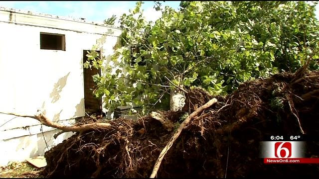 Tahlequah Residents Cleaning Up Debris From Straight Line Wind Damage