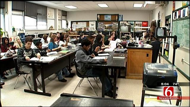 Hoover Elementary Parents, Kids Raising Money To Keep Kindergarten Teacher