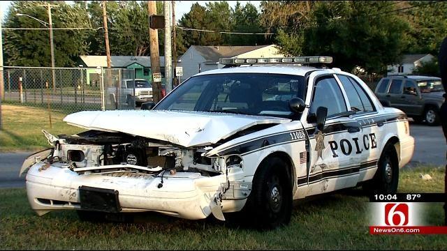 Six Hurt In Wreck Involving Tulsa Police Car