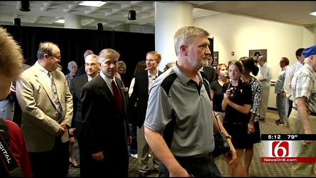 Republican Candidates Stop In Tulsa For 'Victory Tour'