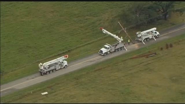 Osage SkyNews 6 HD: PSO Repairing Broken Power Poles In Bartlesville's Oak Park Subdivision