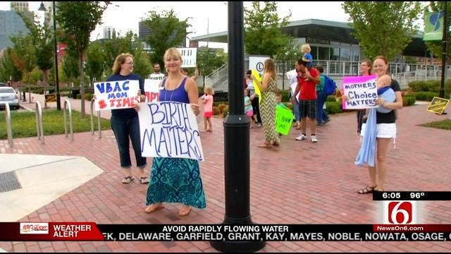 Local Group Hosts Rally To Put Maternity Care In The Spotlight
