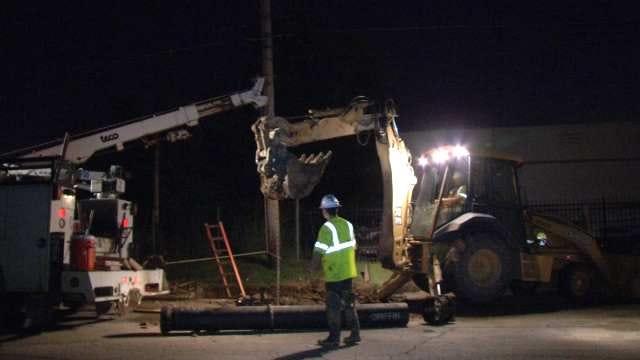 WEB EXTRA: Video Of City Of Tulsa Water Department Workers Repairing Break On 11th Street
