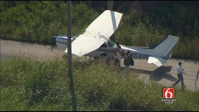 Osage SkyNews 6 HD Flies Over Plane That Landed On Tulsa Street