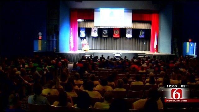 Tulsa Public School Teachers Start Year With Pep Rally