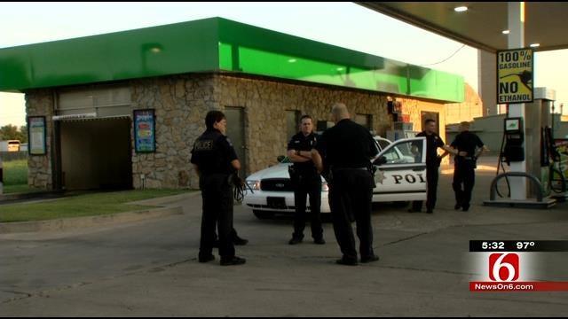 Man Carrying Rifle Robs Tulsa Fiesta Mart