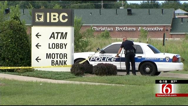 Owasso Police Investigate Robbery, Bomb Threat At IBC Bank