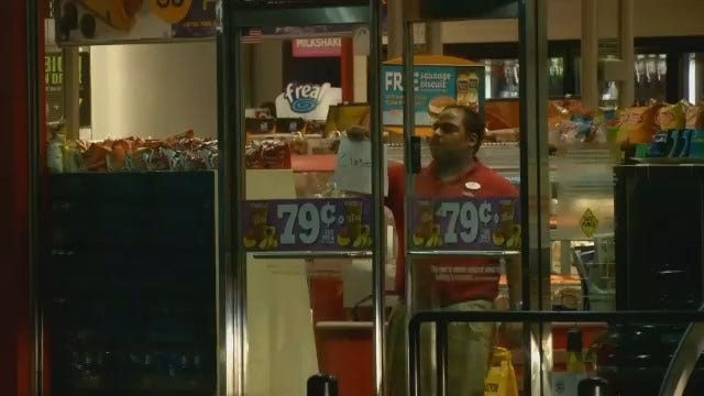 WEB EXTRA: Video From Scene Of Robbery At South Tulsa QuikTrip