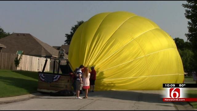 Hot Air Balloon Puts Down In Broken Arrow Neighborhood