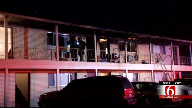 Residents Escape Fire At Tulsa Apartment Building