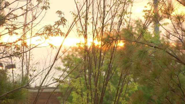 Worshippers Mark Easter Morning With Sunrise Service At Guthrie Green