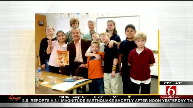 6 In The Morning Anchor Rich Lenz Reads To Town And Country Students