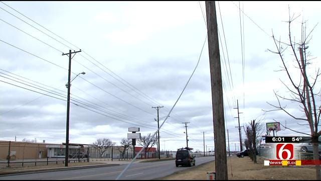 Tulsa Elementary Students In Dark As Wind Downs Power Lines