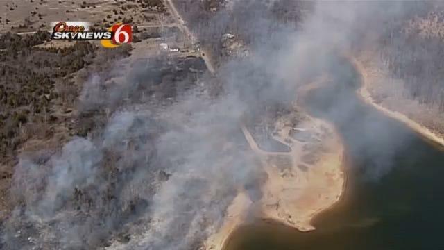 WEB EXTRA: Osage SkyNews 6 Flies Over Westport Fire