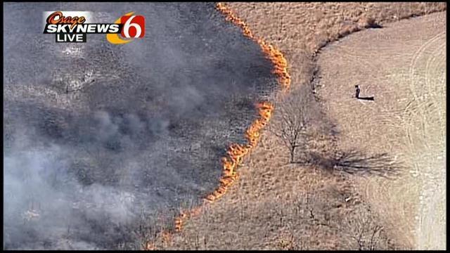 WEB EXTRA: Osage SkyNews 6 Flies Over Wagoner County Grass Fire