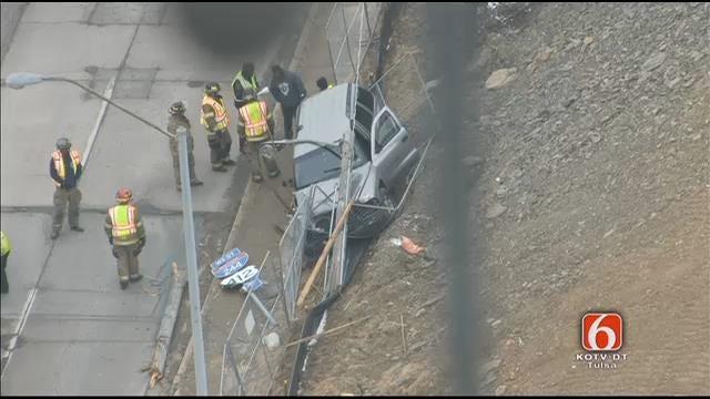 WEB EXTRA: Tulsa Police Help Man From Wrecked Van