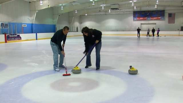6 In The Morning Crew Checks Out The Sport Of Curling