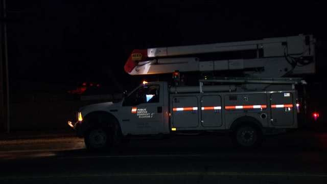 WEB EXTRA: Video Of PSO Crews Working To Restore Power In Tulsa Early Monday