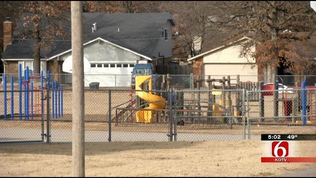 Parents Notice Suspicious Car Near Sand Springs Elementary School