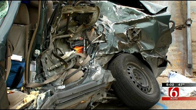 Tulsa Police Search For Driver Involved In Fatal Crash