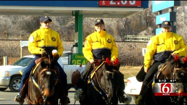 Rogers County Sheriff's Mounted Horse Patrol Keeping Shoppers Safe