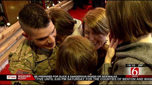 Returning Soldier Surprises Daughters At Broken Arrow Bass Pro