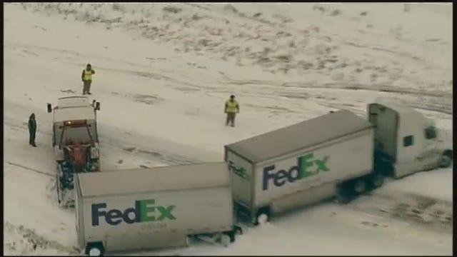 Osage SkyNews 6 Over Jack-Knifed FedEx Truck On I-40 In Okmulgee County