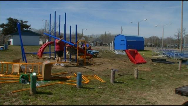 Porter's Peaches Fund $30,000 New Playground At Park