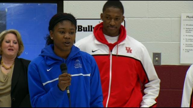 Conference USA Players In Town For Tournaments Visit Tulsa Elementary School