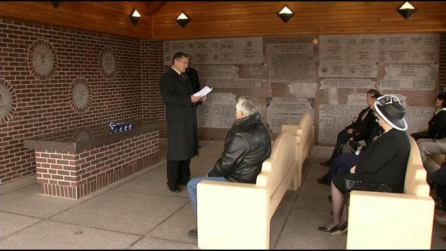 Veterans Remembered During Service At Fort Gibson National Cemetery