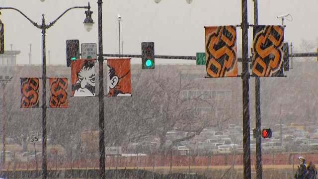 WEB EXTRA: Snow Falls In Stillwater Tuesday