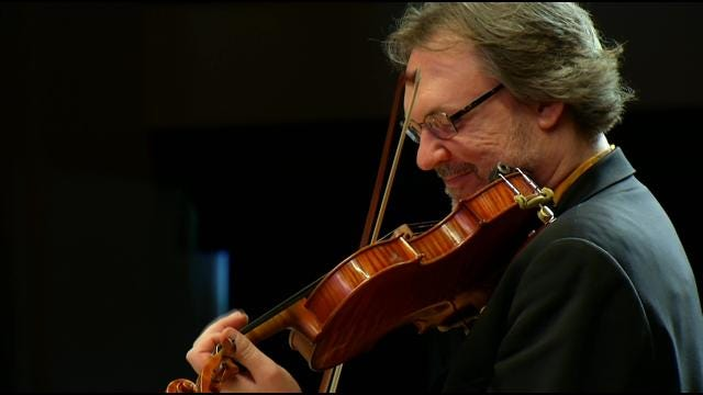 Tulsa Students Get Lesson From Grammy-Winning Violinist