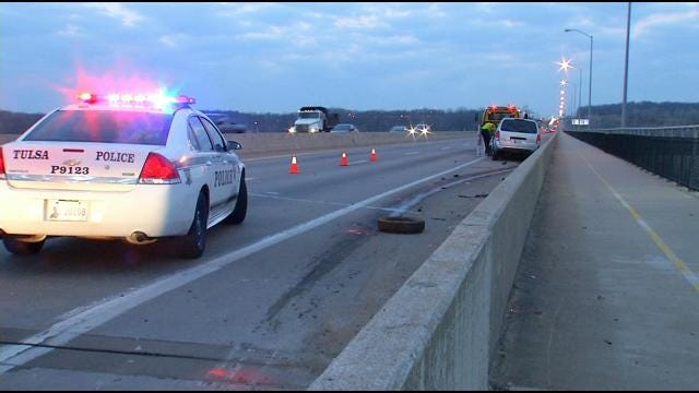 Tulsa Rookie Officer Helps Victims When Crash Happens In Front Of Him