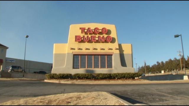 Eufaula Couple Exchanges Vows At Taco Bueno