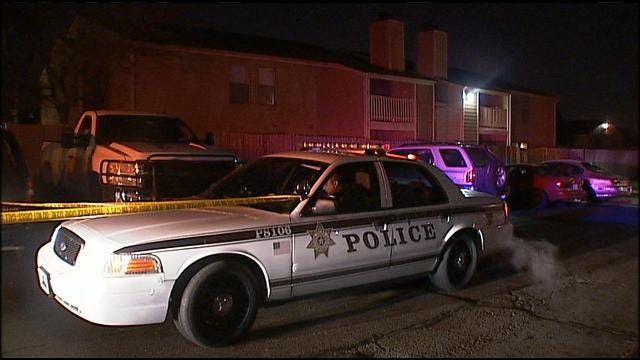Tulsa Woman Shot, Robbed In Apartment Parking Lot