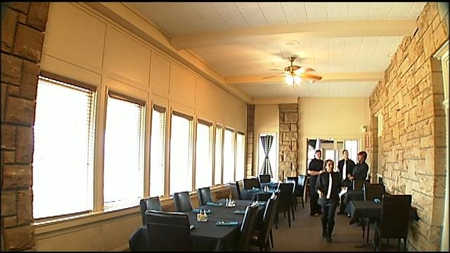 Creek Nation Opens Restaurant In Old Okmulgee Country Club Building