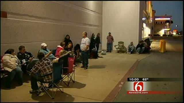 Shoppers Turn Out For Early Black Friday Store Openings