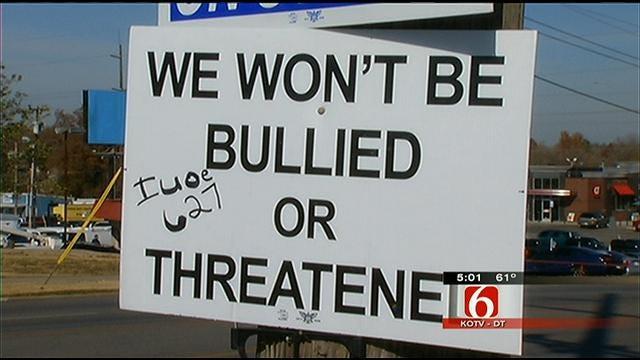 Hostess Workers Continue Strike Despite Threats Of Closure