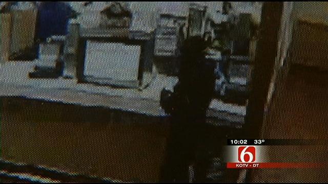 Midtown Tulsa Wendy's Robbed At Gunpoint