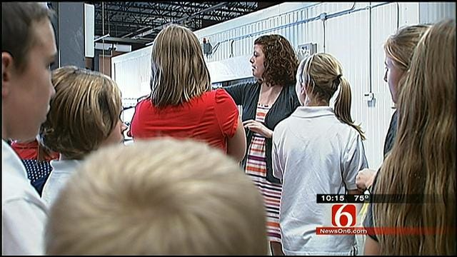 Tulsa Elementary School Students Get Tour Of Community Food Bank
