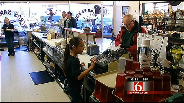 Tulsa Kids Put To Work In Family-Run Restaurant