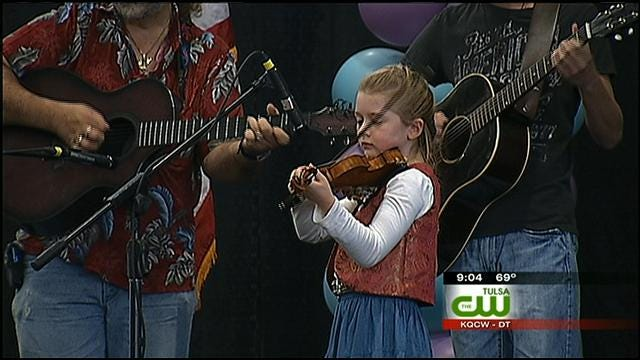 Musicians Are Pickin' and Grinnin' At Tulsa State Fair