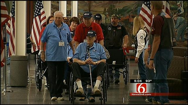 Honor Flight Takes Oklahoma WWII Veterans To National Memorial