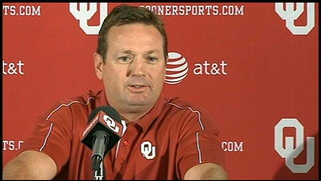Stoops Wants Rowdy Crowd Against Kansas State