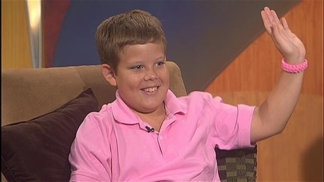 """Tulsa Kid Raises Money For Cancer Victims With """"It's Knot All About Me"""" Bracelets"""