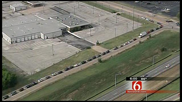 SKYNEWS6: Watch As Tulsans Flock To Admiral Twin's Re-Opener