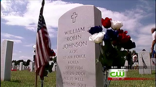 Oklahomans Honor War Heroes At Fort Gibson National Cemetery