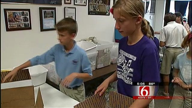 Tulsa 5th Graders Help Out Blue Star Mothers