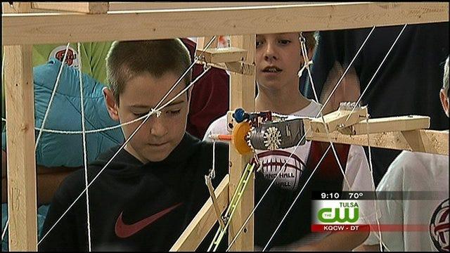 Tulsa 5th Graders Show Off The Engineer Skills