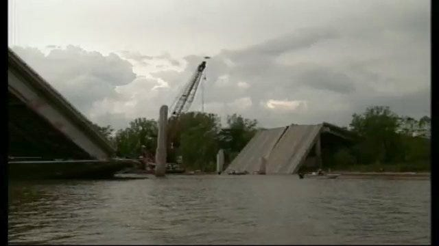 I-40 Bridge: After The Collapse